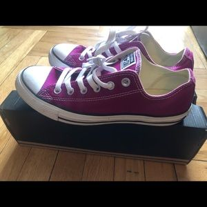 Converse Shoes - Unisex Converse Chuck Taylor Low Top Sneakers